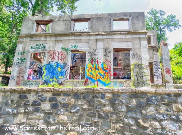 Gate house ruins