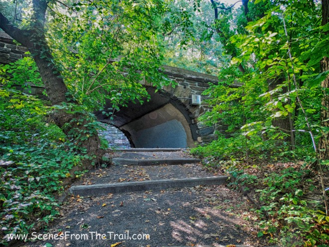tunnel that crosses under the southbound lanes of the Henry Hudson Parkway