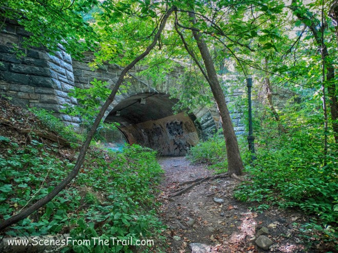 tunnel that crossed beneath the northbound lanes of the Henry Hudson Parkway