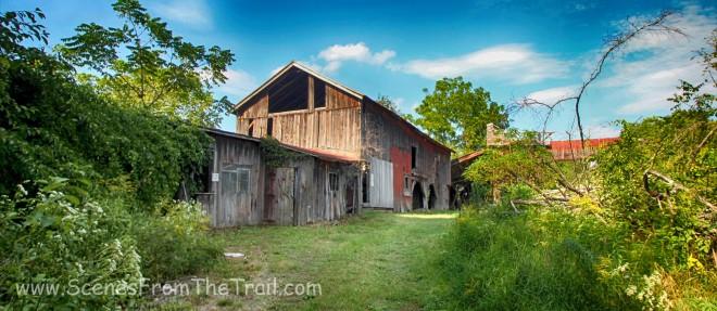 L shaped barn