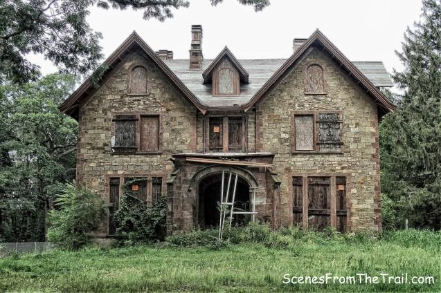 Hoyt House