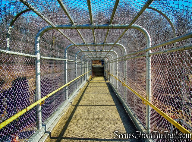 pedestrian bridge - Long Path