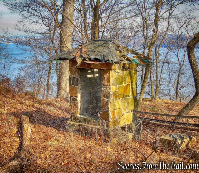 stone ruins - Long Path