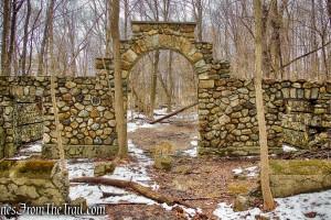 Dairy building - Mohegan Farm ruins