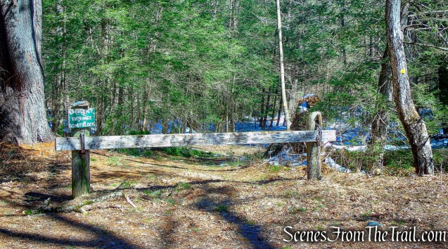yellow-circle-blazed trail Steep Rock Loop Trail