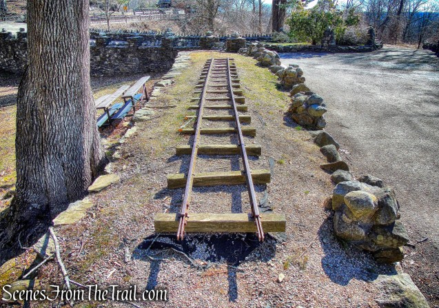 tracks - Gillette Castle State Park