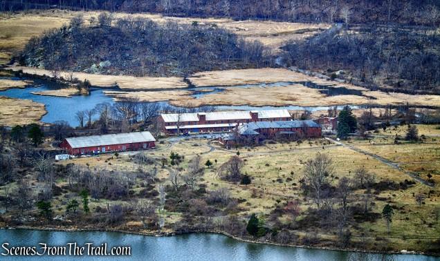 Iona Island - Camp Smith Trail