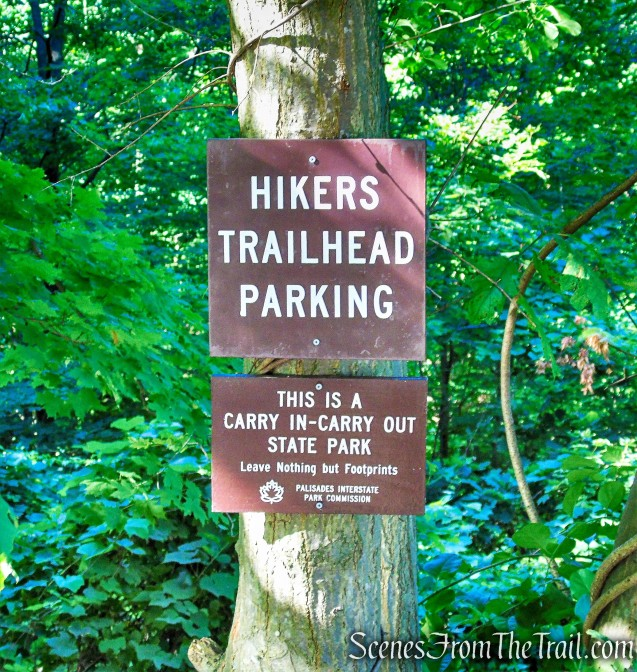 hikers parking area on Kanawauke Road