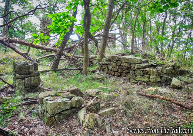 Spy Rock House ruins - Butter Hill Trail