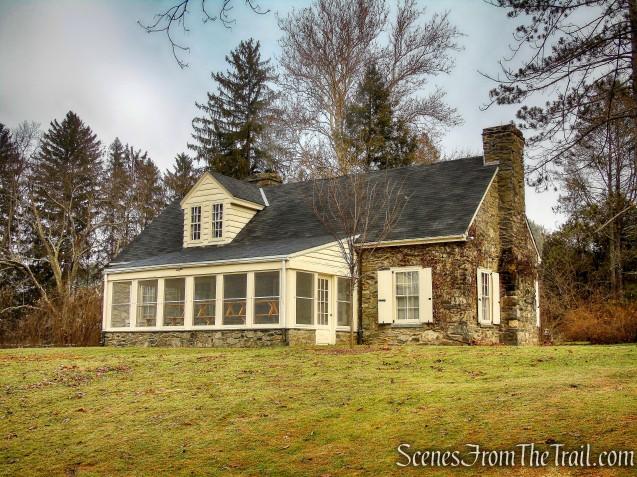 Stone Cottage - Hyde Park Trail