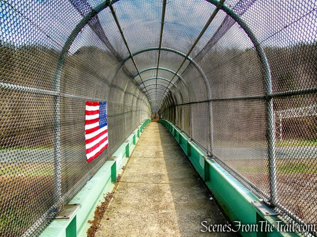 pedestrian bridge - White Trail - Hubbard Park