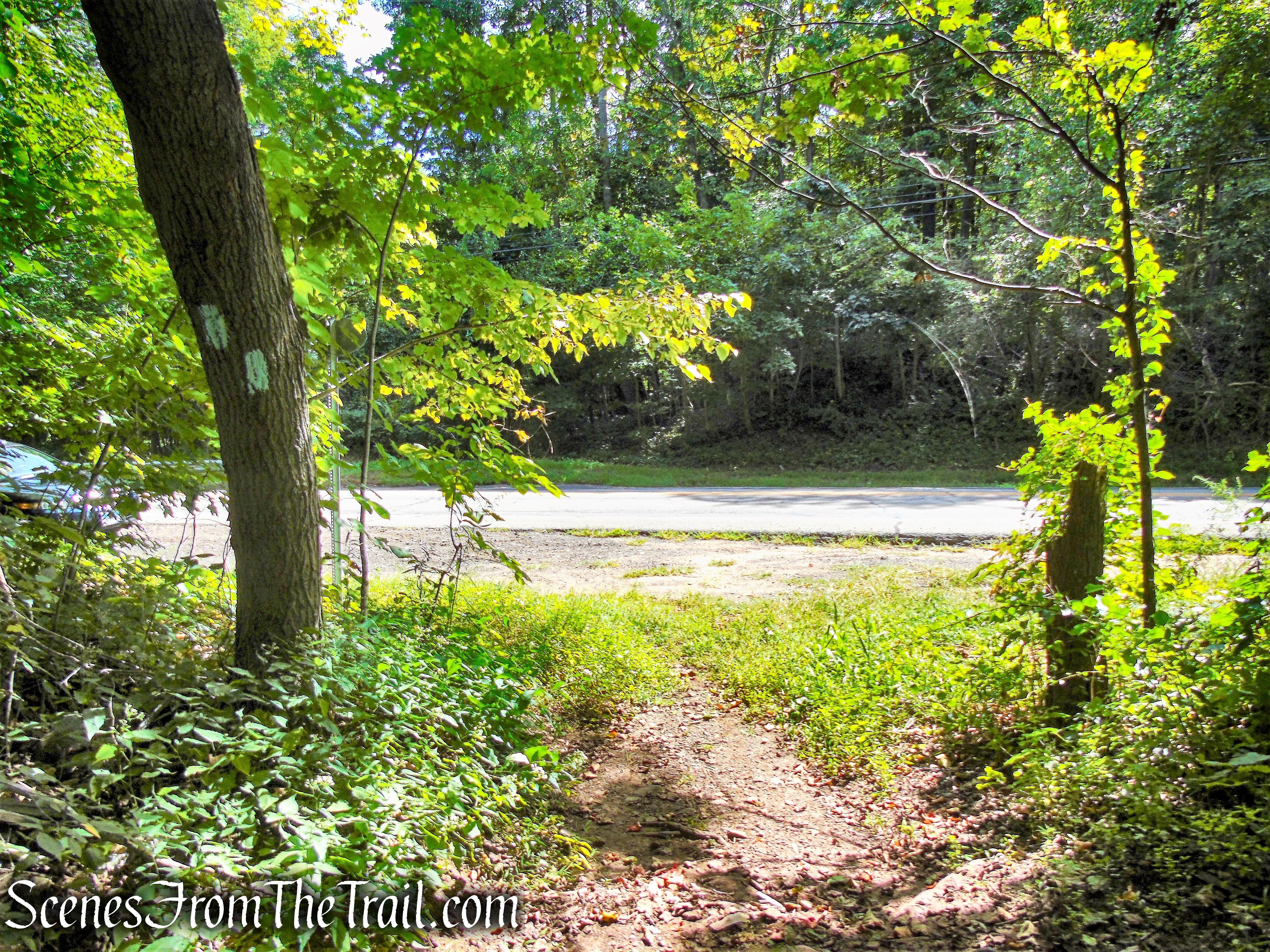 Mattabesett Trail - Connecticut Route 68