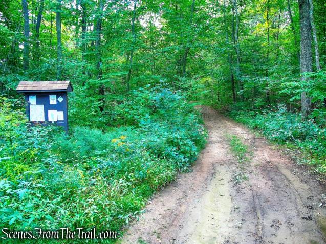 Cream Pot Road Trailhead - Mica Ledges Preserve