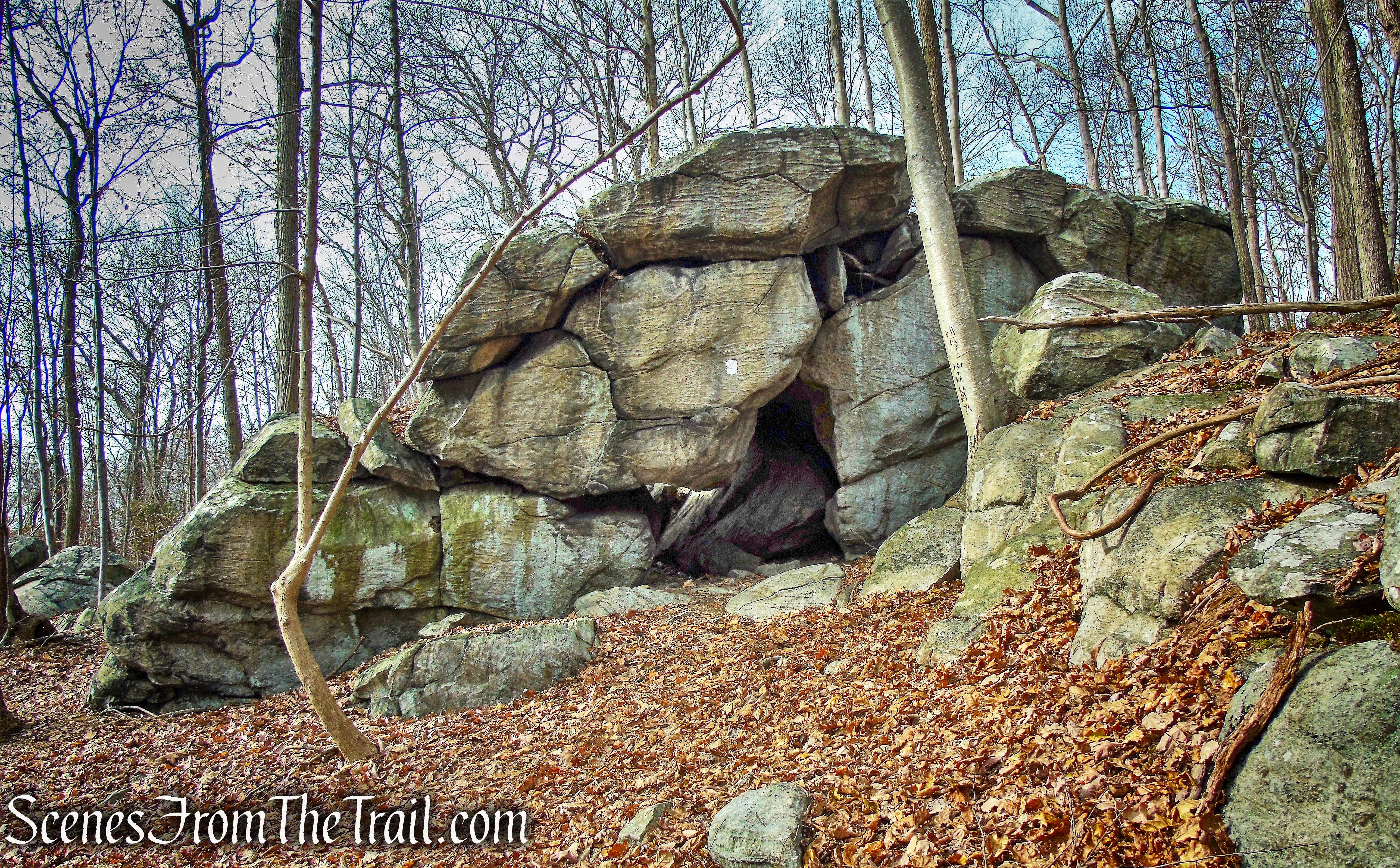 Cave Tunnel - White Trail - Silas Condict County Park