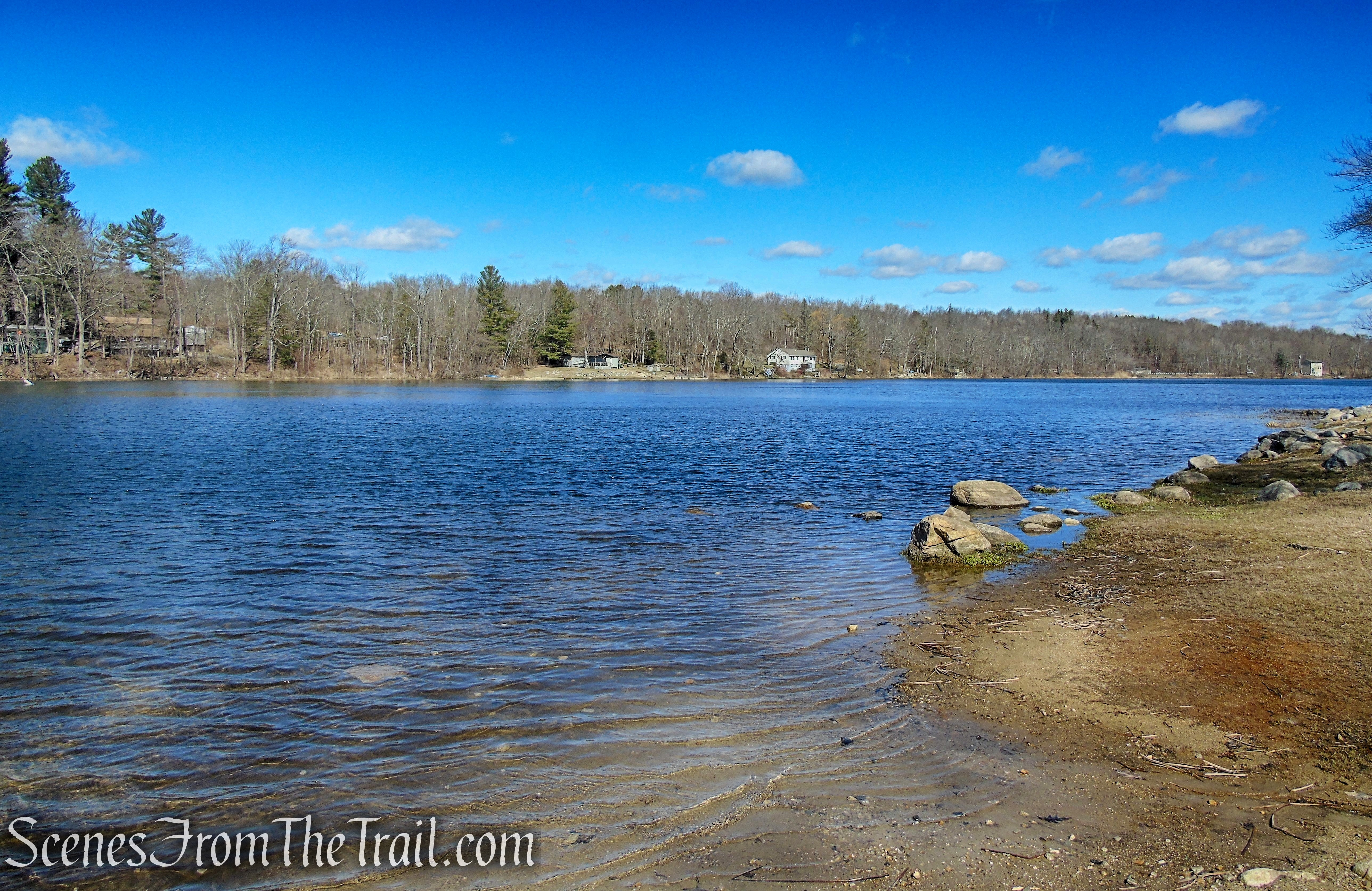 Mount Tom Pond - Mount Tom State Park