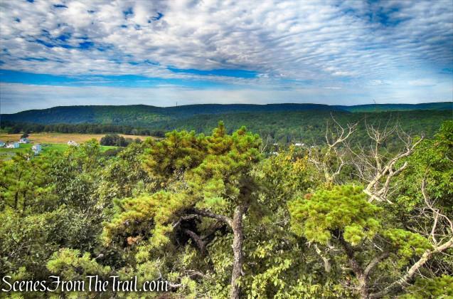 Mattabesett Trail - Mica Ledges Preserve