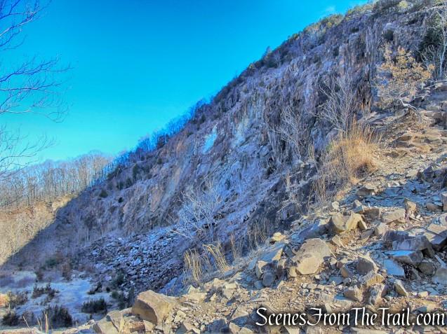 Quinnipiac Trail - Sleeping Giant State Park