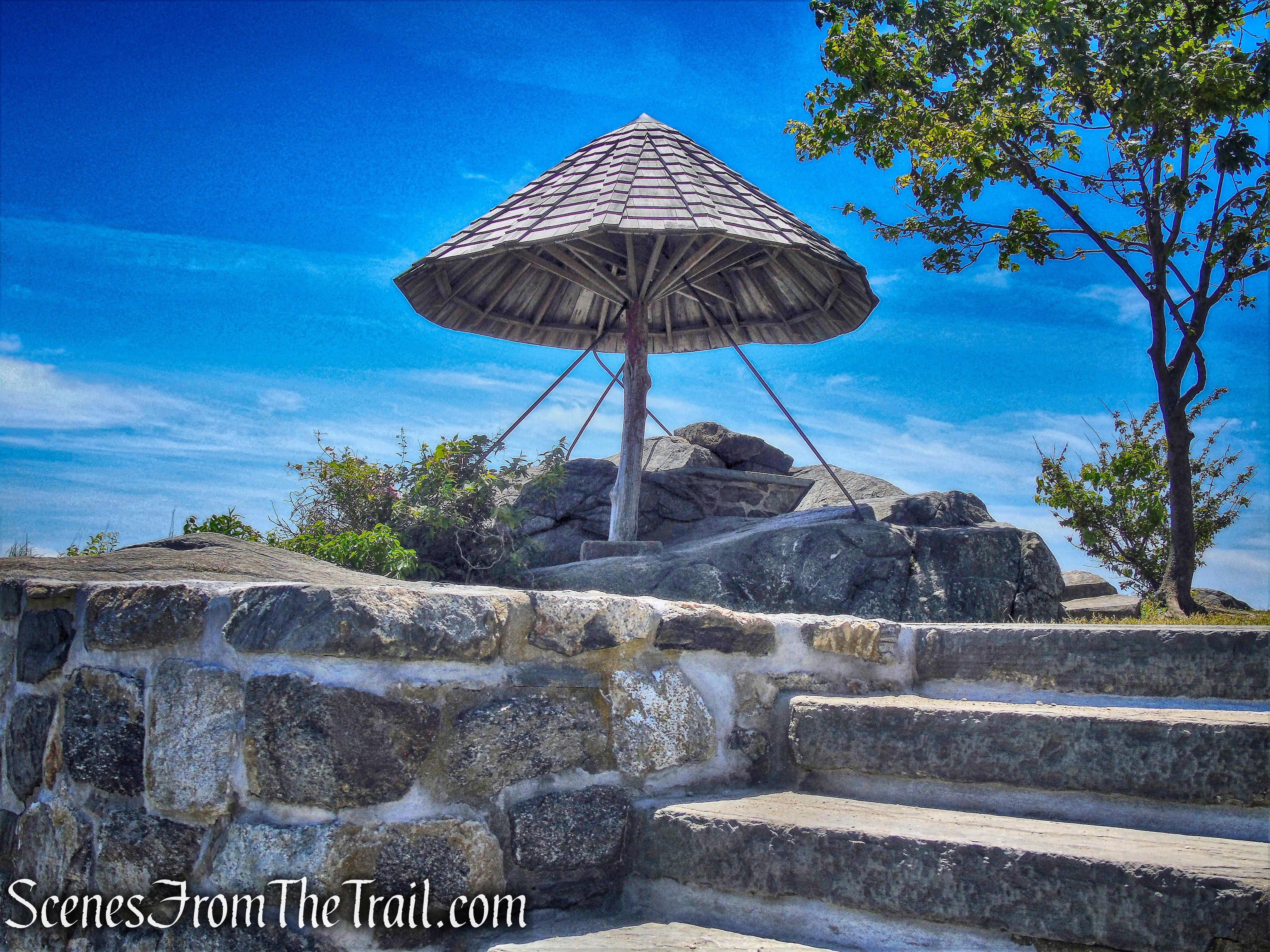 Umbrella Point - Larchmont Manor Park