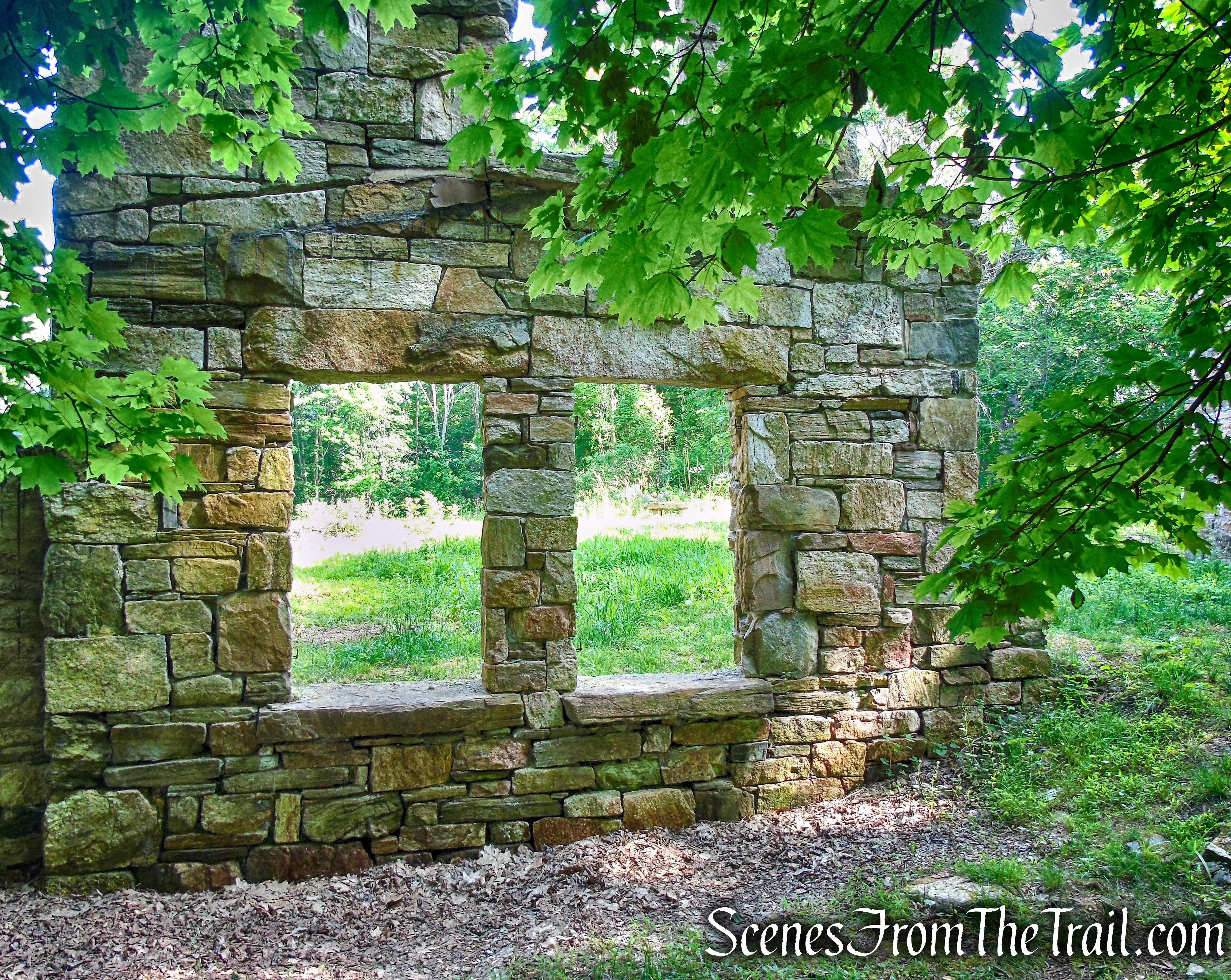 Black Mansion ruins - Leon Levy Preserve