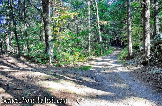 turn left on Old Minnewaska Trail