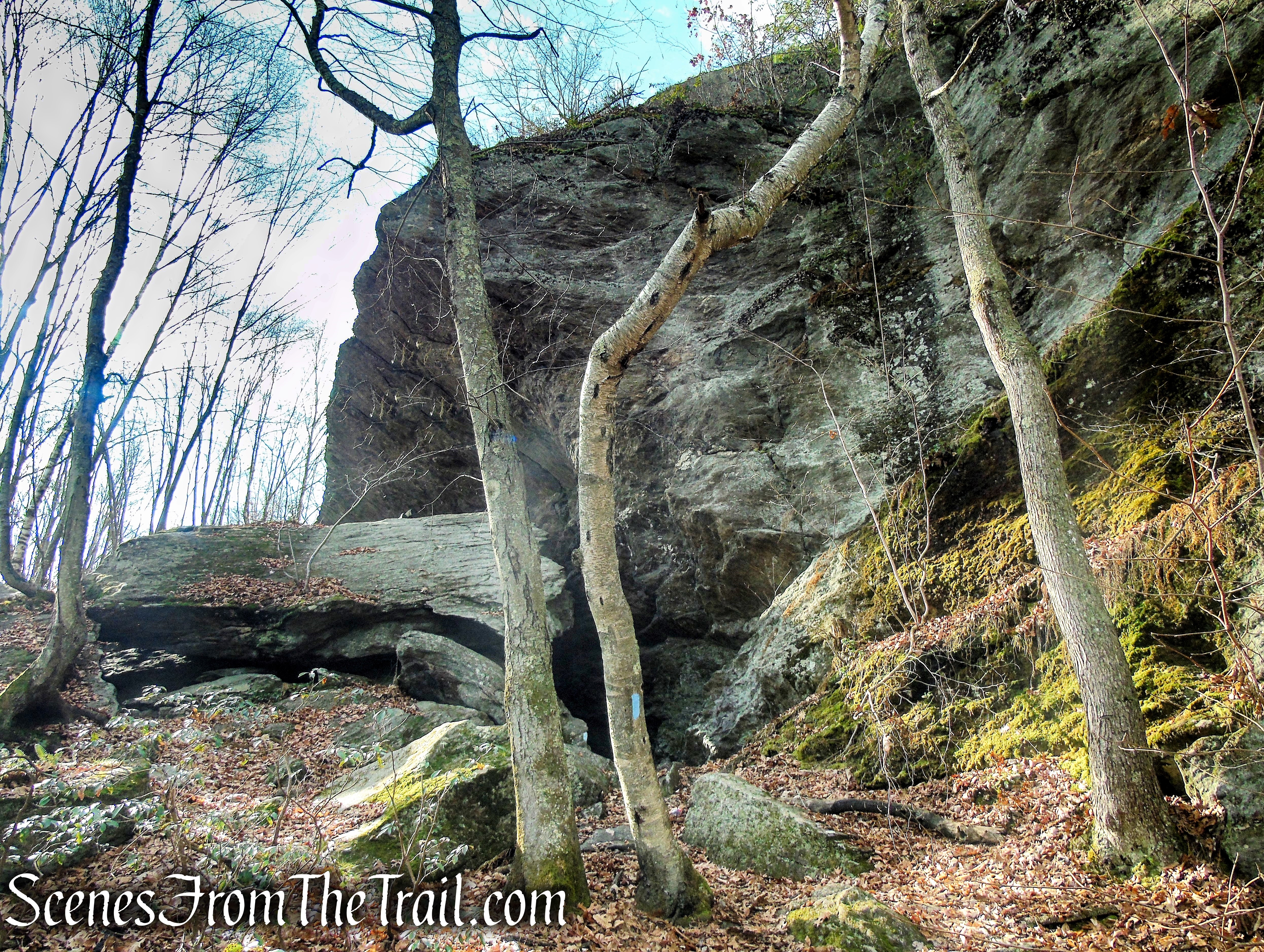 Leatherman's Cave – Mattatuck State Forest