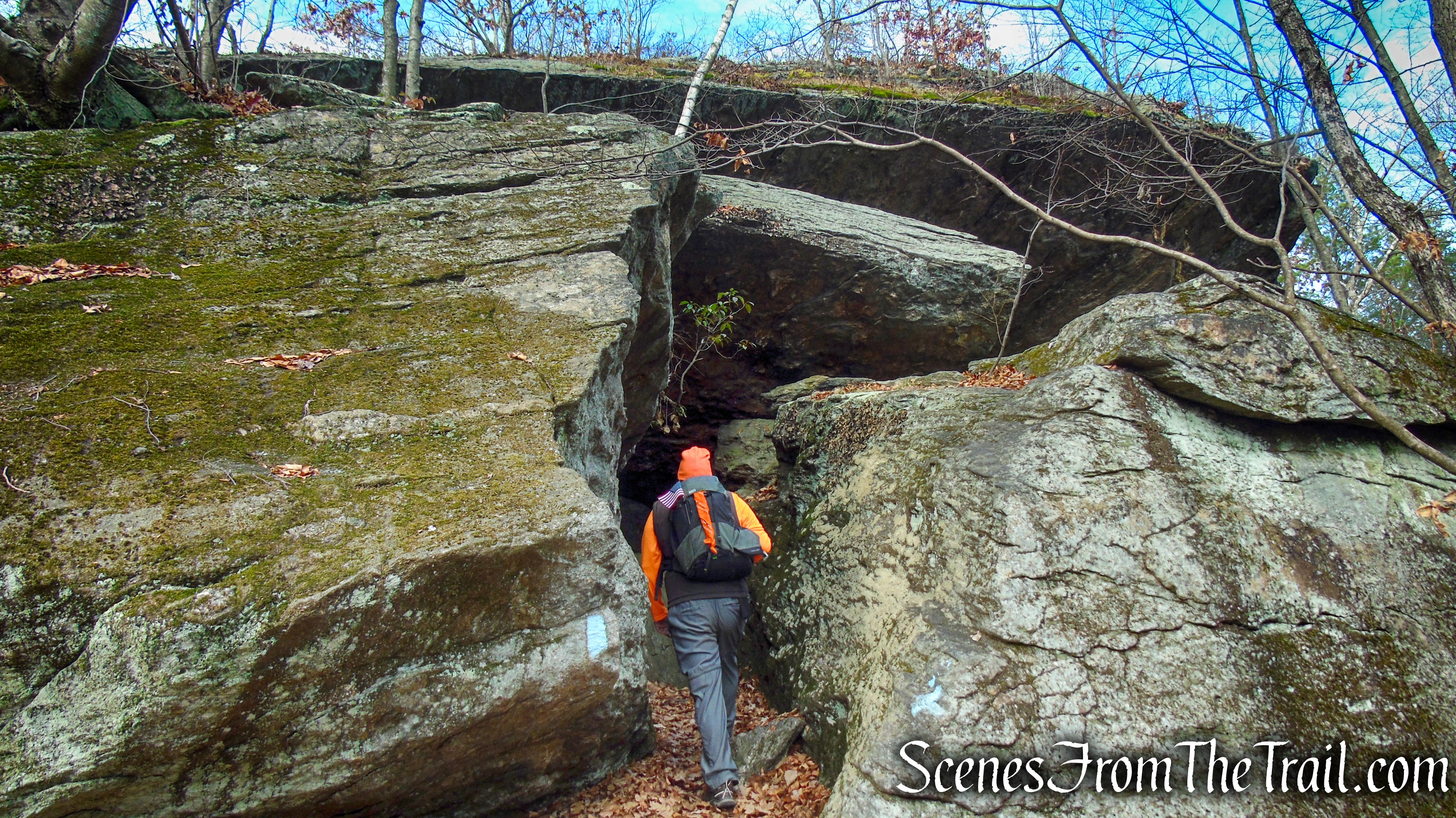 Leatherman's Cave Loop – Mattatuck State Forest