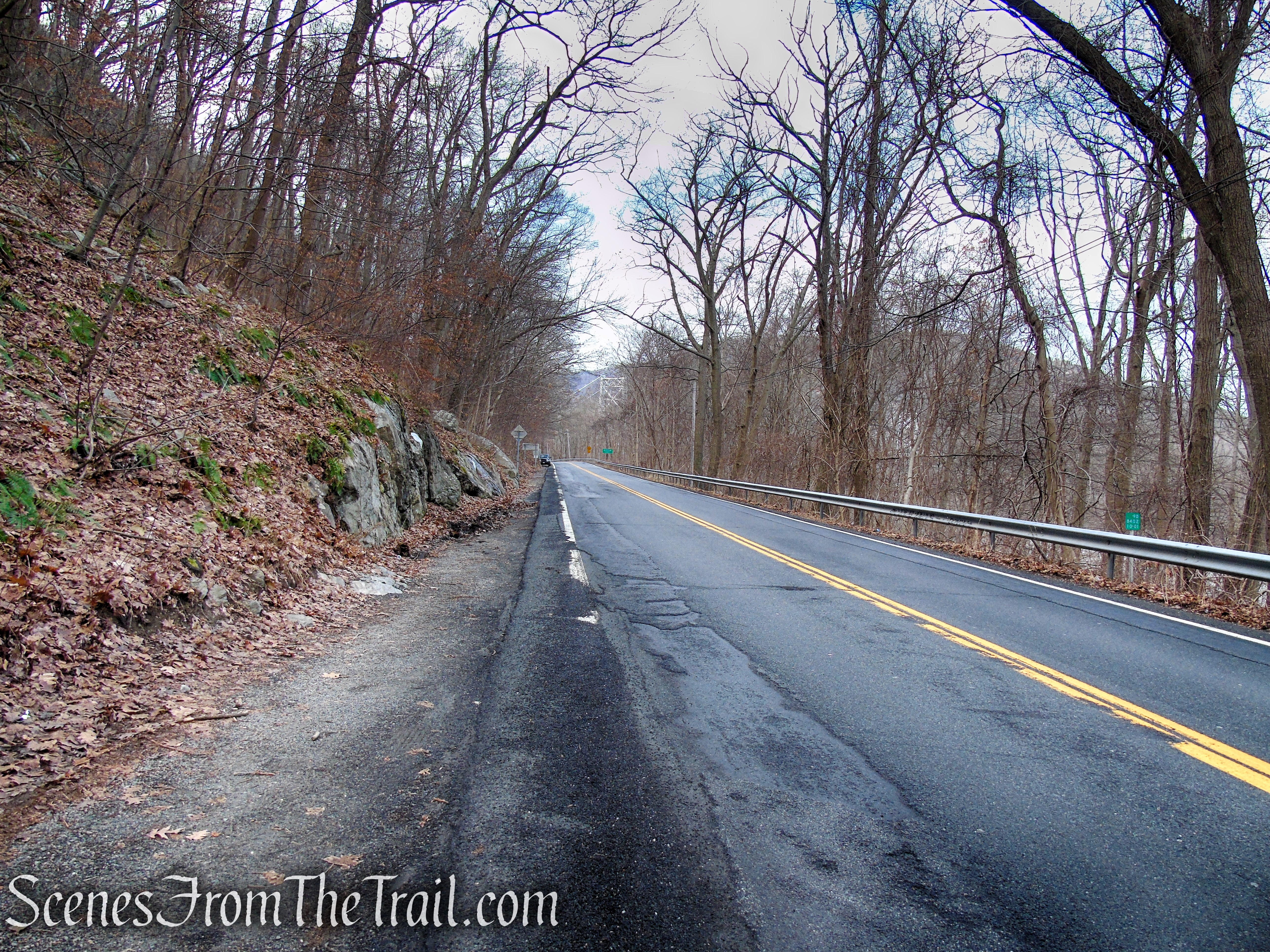 Route 9D trailhead - Anthony's Nose
