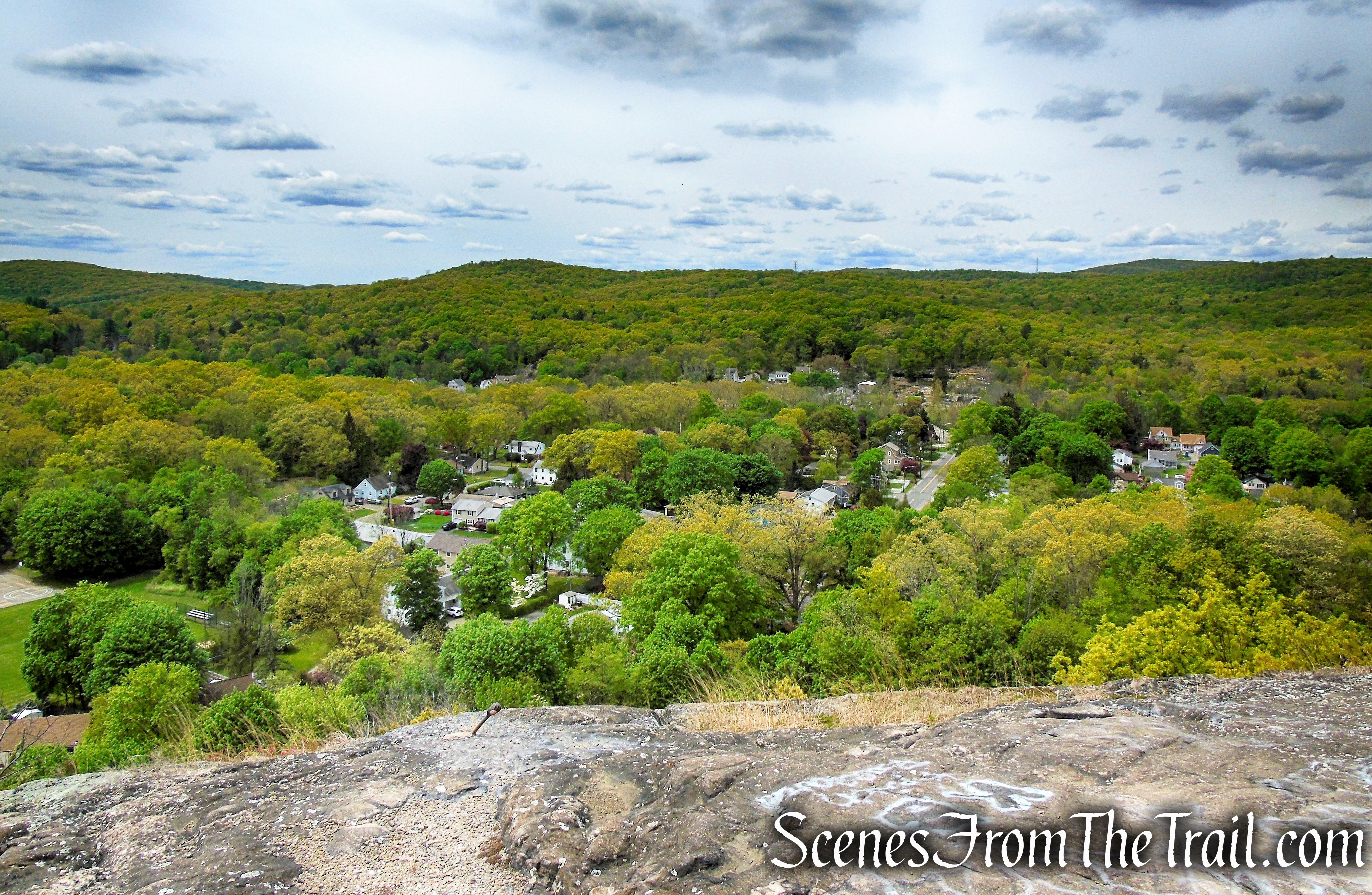 west-facing viewpoint - Dater Mountain Nature Park
