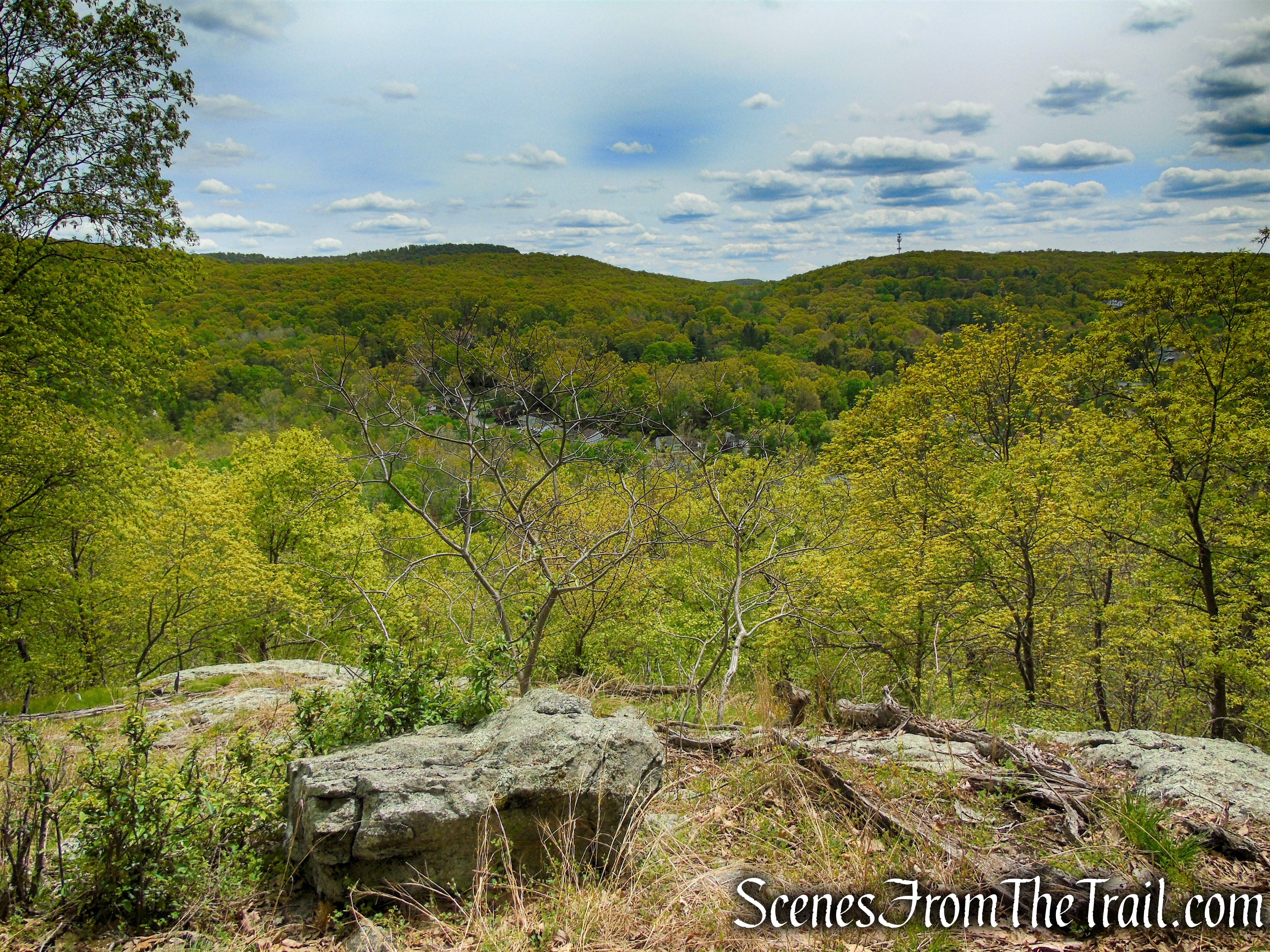 south-facing viewpoint - Dater Mountain Nature Park